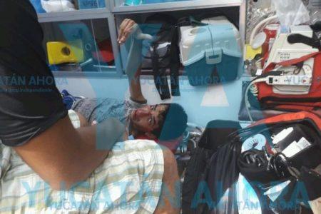 Cruzó sin fijarse y lo 'revolcó' un vehículo en la avenida Jacinto Canek
