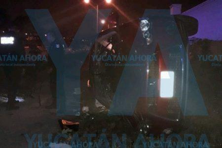 Huye tras causar aparatoso accidente en Santa de Fe de Ciudad Caucel
