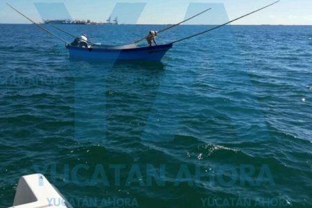 Rescatan embarcación que se quedó varada frente a Chelem