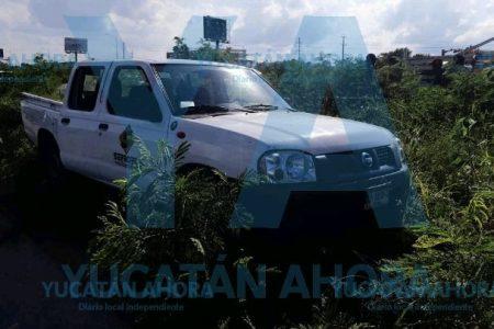 Choca con una camioneta abanderada adecuadamente, en la carretera Mérida-Progreso