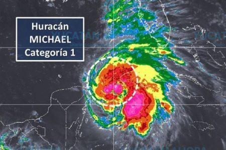 Se fortalece Michael: ya es huracán categoría 1 y se aleja de Yucatán