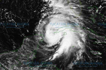 Disminuyen las alertas en Yucatán por alejamiento del huracán Michael
