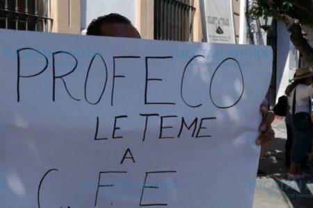 Hartos de la CFE en Río Lagartos: llaman a asamblea y a boicot de pagos