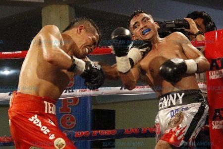 Con un golpe a final de pelea, Júnior Granados retiene su corona mosca