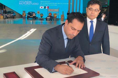 Coreanos quieren producir en Yucatán vehículos que no usan gasolina