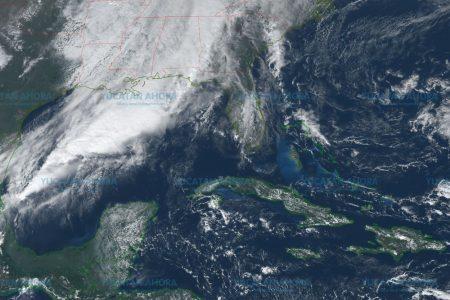 Descargas eléctricas y vientos fuertes acompañan la llegada de frente frío