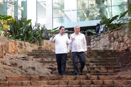 Mauricio Vila, presente en los primeros 100 días de gobierno de AMLO