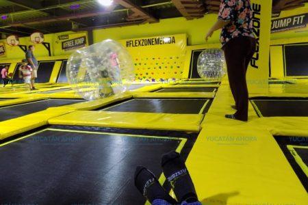 Brinca sin parar en Flexzone Jumping Park de plaza Uptown Mérida