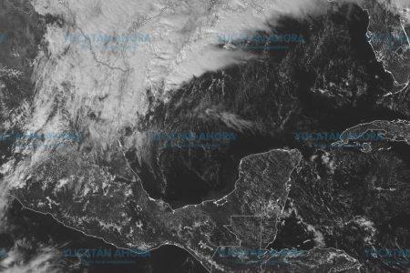 Frente frío 10 llega con lluvias, tormentas y un anticipo de 'heladez'