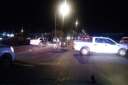 Se accidentan vehículos de la Policía Estatal de Investigación en el Periférico