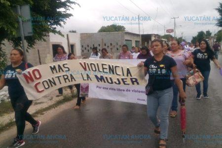 En Kinchil también marchan las mujeres por sus derechos