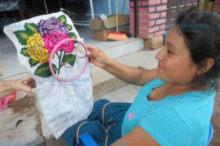 Muestran a estudiantes yucatecos la riqueza cultural de México a través de la ropa