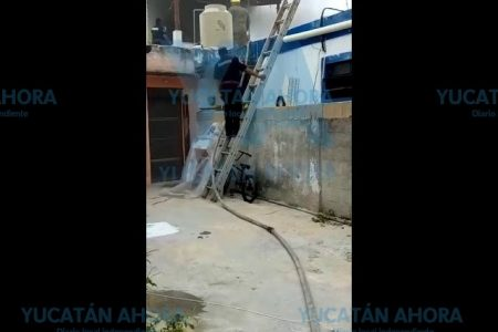 Veladora de difuntos genera incendio en una casa del centro meridano