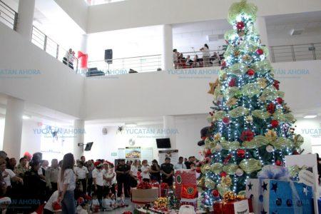 Reciben la Navidad mientras sus padres se encargan de la seguridad de los yucatecos