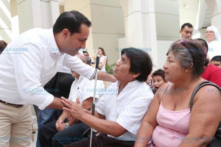 Garantiza Mauricio Vila la atención a personas con discapacidad