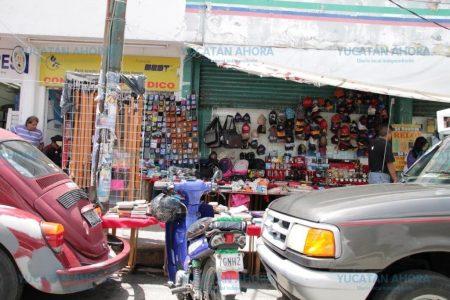 Ambulantes liberan más áreas del centro de Mérida