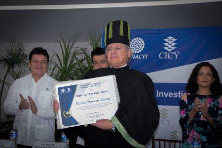 CICY entregó su primer Doctorado Honoris Causa