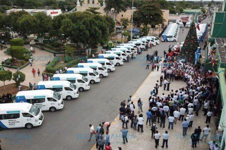 Concluye en Kanasín entrega de 150 ambulancias de traslado a los municipios