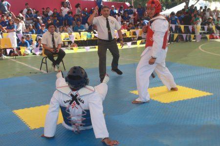 Triunfa Escuelas Lara en el torneo 'Sonrisas de Corazón' a beneficio del CRIT