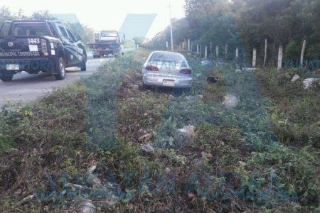 Abandona su camioneta luego de un accidente
