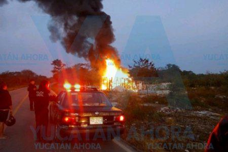 Mañanero incendio de Navidad: se quema una palapa