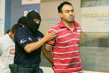PGR e Interpol trasladan a 'Chelelo' al penal del Altiplano