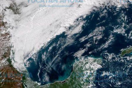 Frente frío avanza hacia la Península de Yucatán
