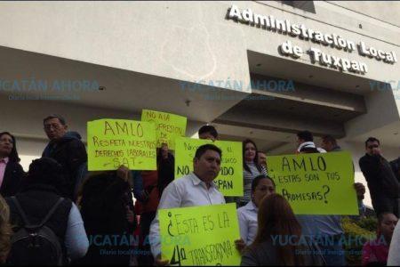 Trabajadores del SAT Mérida se movilizan para no ser despedidos