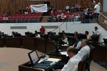 Otra del alcalde de Tunkás: destruye parque recién remodelado