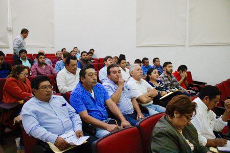 Asesoran a municipios para que gestionen obras del ramo 33