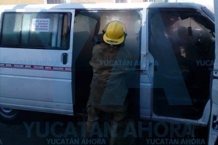 Se incendia taxi colectivo en Motul