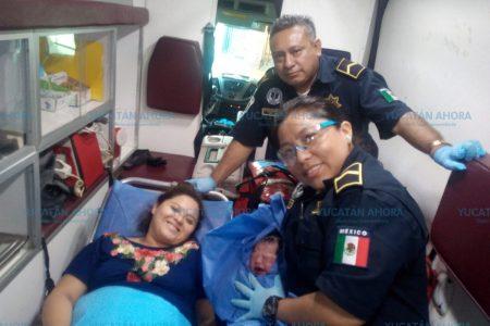 Nace en ambulancia a unos minutos de llegar al hospital