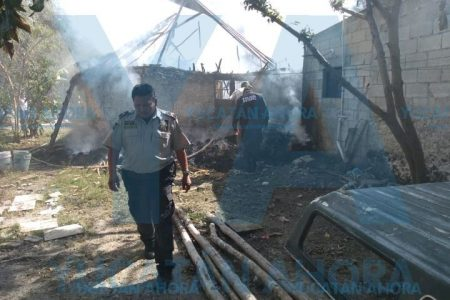 Se quema su casa y se desmaya por inhalar humo