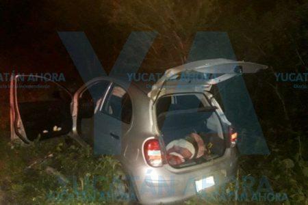 'Encabritado' joven se sale de la carretera Mérida-Cancún