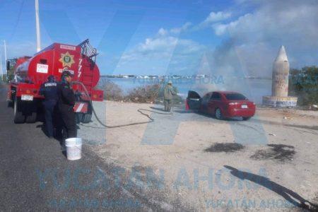 Cambia de motor y se incendia su auto