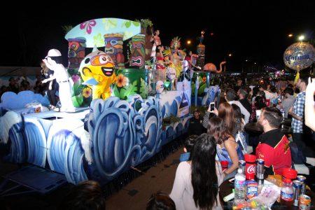 Empresas hacen 'vaquita' para participar en el Carnaval de Mérida