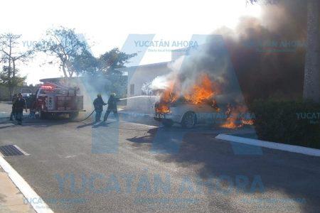 Se incendia camioneta en el Yucatán Country Club