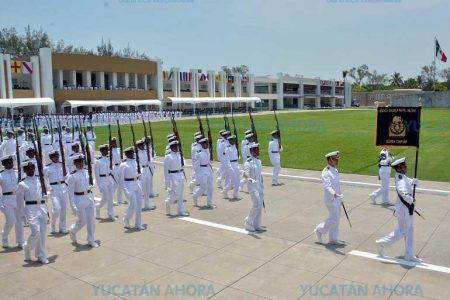 Invitan a jóvenes a subirse al barco de la Universidad Naval