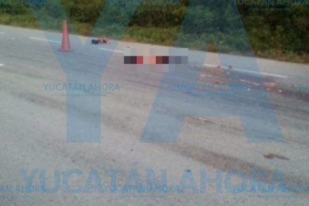 Horrible muerte del pasajero de una moto en la carretera Mérida-Cancún