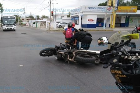 Colisiona agente de la SSP en el sur de Mérida