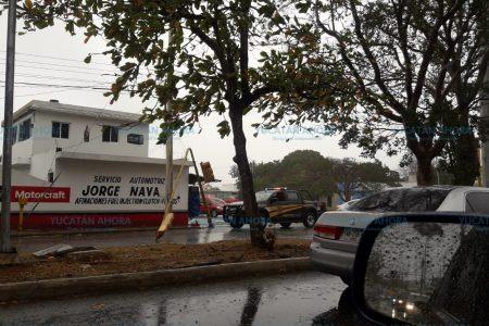 Entra norte con fuerte lluvia y vientos 'silbadores' en Mérida