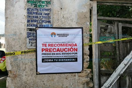 El malecón y el centro de Progreso, 'minados' de predios en riesgo de caer