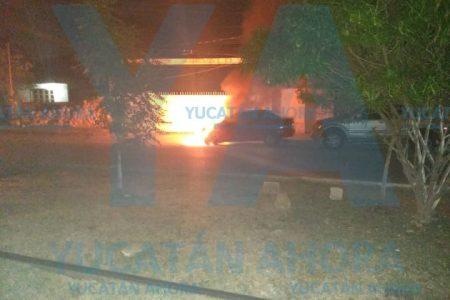Madrugador incendio consume un Chevy en la Inalámbrica