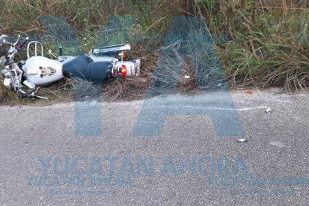 Transeúnte muere al atravesarse a un motociclista