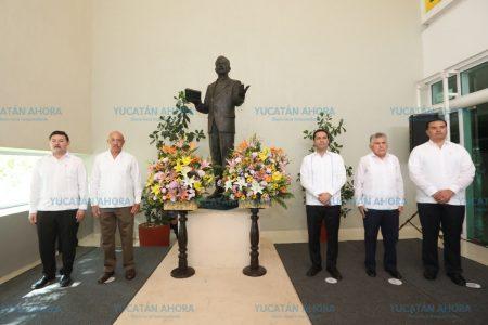 Honran a fundadores de la Universidad Autónoma de Yucatán