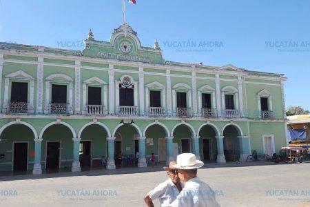Denuncian a ex alcalde yucateco que regaló terrenos públicos a sus amigos