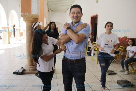 Universitarios llevan servicios sociales al sur de Yucatán
