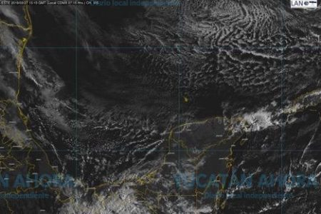 El frente frío 46, sobre Yucatán