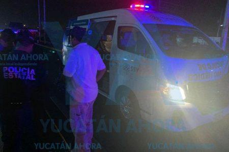 Ambulancia atropella a transeúnte que se atravesó en su camino