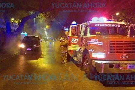 Cortocircuito le arruina su camioneta en el norte de Mérida